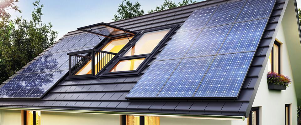 dach zpanelami fotowoltaicznymi 2